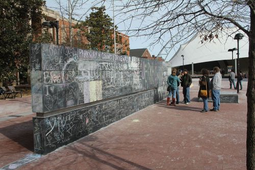 Peretele libertății de exprimare, Charlottesville, Virginia (sursa)